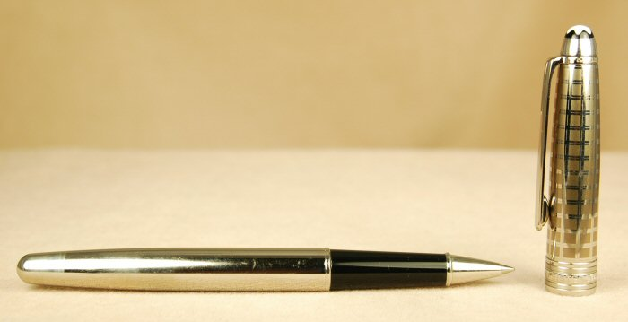 Pre-Owned Pens: 0374: Mont Blanc: Stainless II