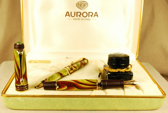 Pre-Owned Pens: 1544: Aurora: Asia Limited Edition