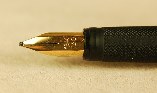 Pre-Owned Pens: 1675: Rotring: 600--Gold