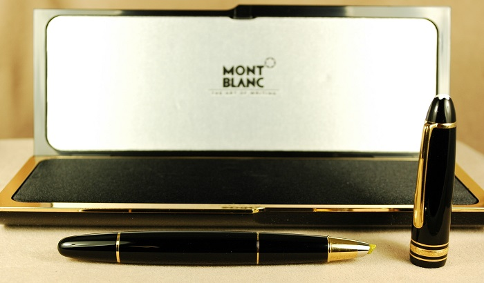 Pre-Owned Pens: 1685: Mont Blanc: 166 LeGrand Highlighter
