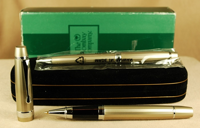 Pre-Owned Pens: 1781: Bombay Company: Pen Set
