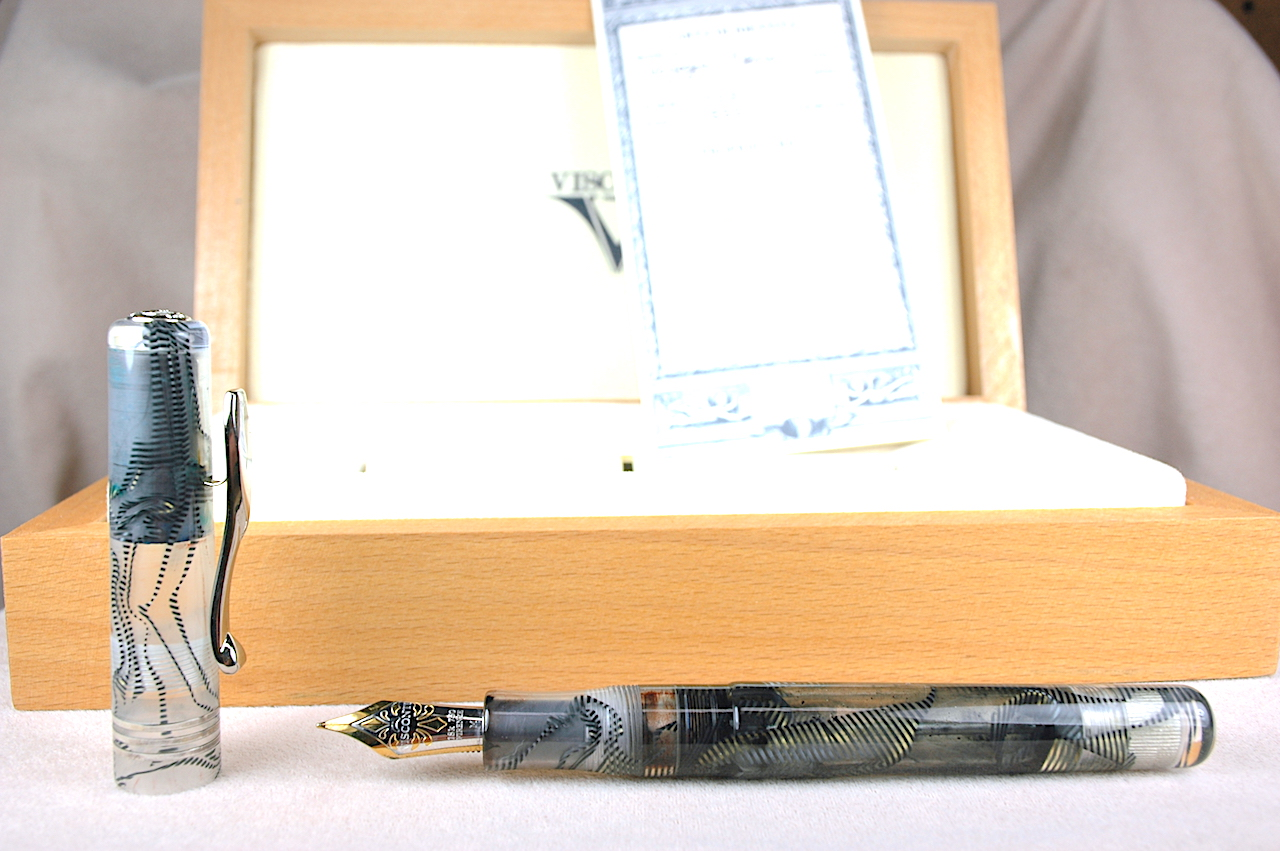 Pre-Owned Pens: 1429: Visconti: Voyager Demonstrator