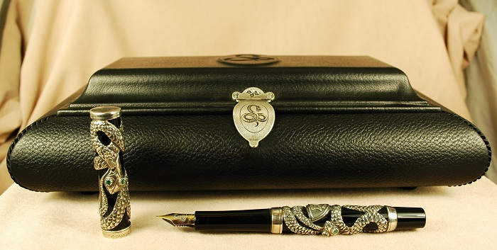Pre-Owned Pens: 1634: Parker: Snakes