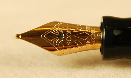 Pre-Owned Pens: 1638: Visconti: Moonlight Vermeil Voyager