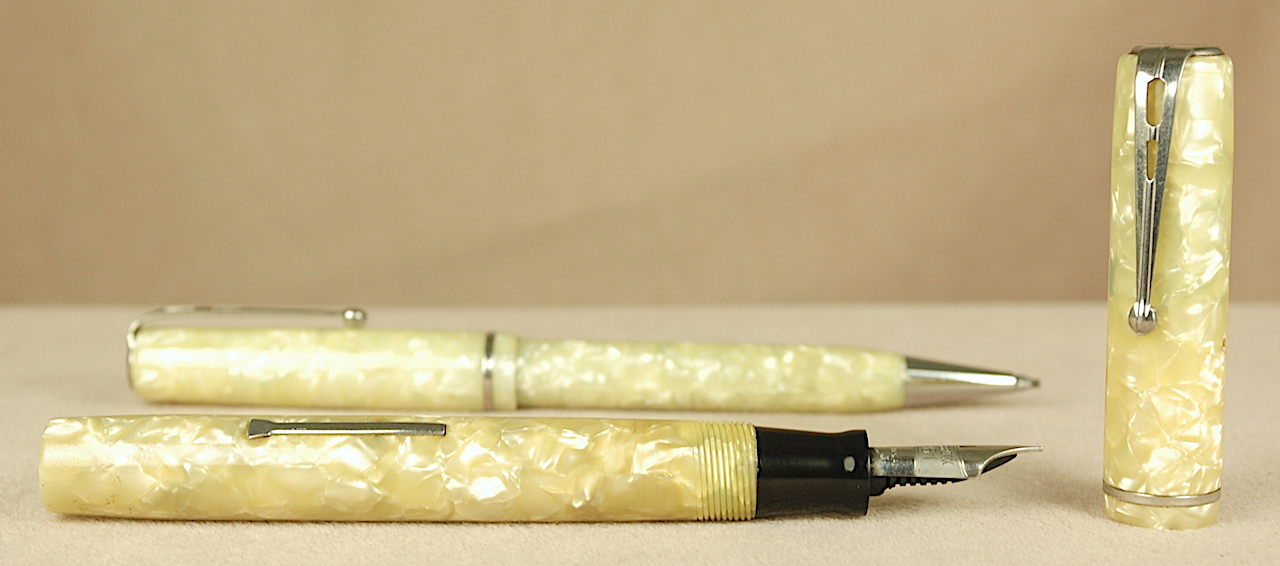 Vintage Pens: 2895: Esterbrook: Cracked Ice Light Ivory