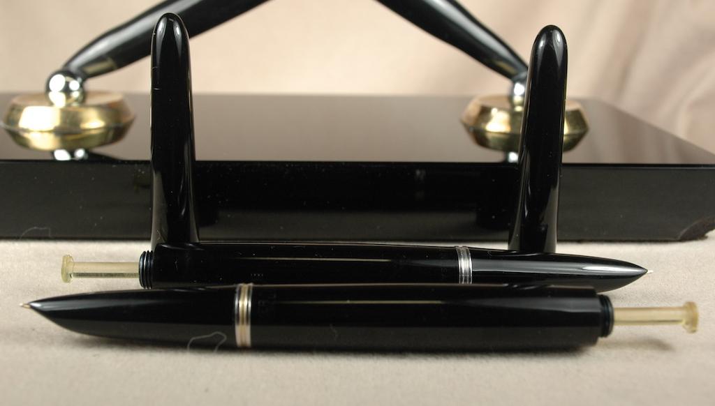 Vintage Pens: 4122: Parker: 51 Desk Set