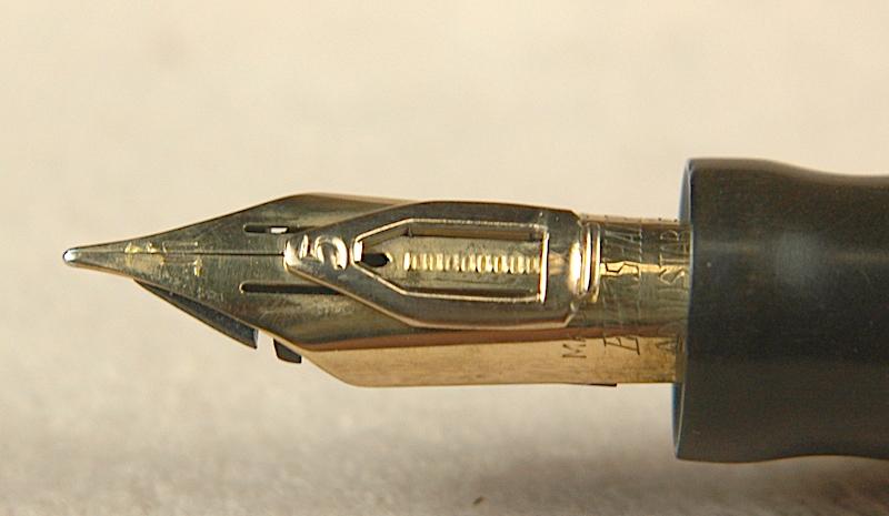 Vintage Pens: 4264: Wahl-Eversharp: Doric Desk Pen