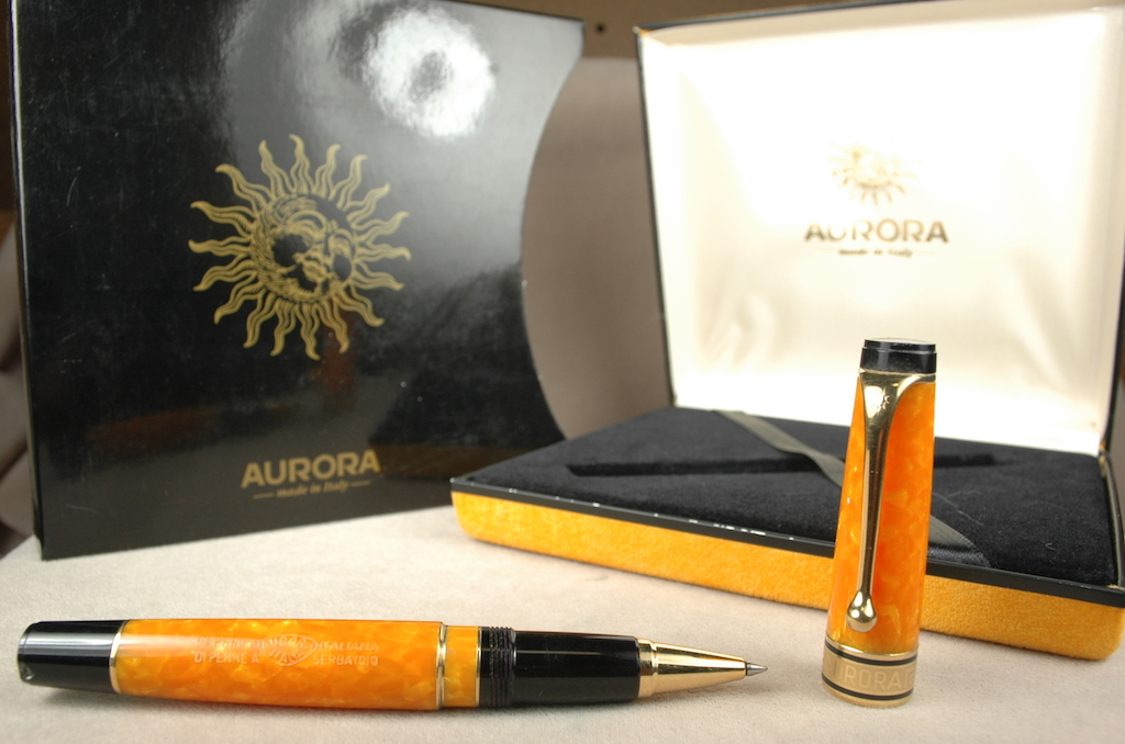 Pre-Owned Pens: 4301: Aurora: Optima Sole