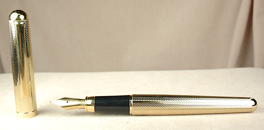 Pre-Owned Pens: 4352: Unknown: Golden Fountain Pen