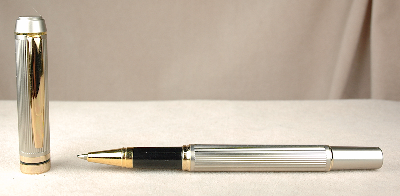Pre-Owned Pens: 4370: Metal Pinstriped: Rollerball