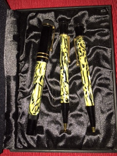 Pre-Owned Pens: : Mont Blanc: Oscar Wilde Limited Edition 3 Piece Set