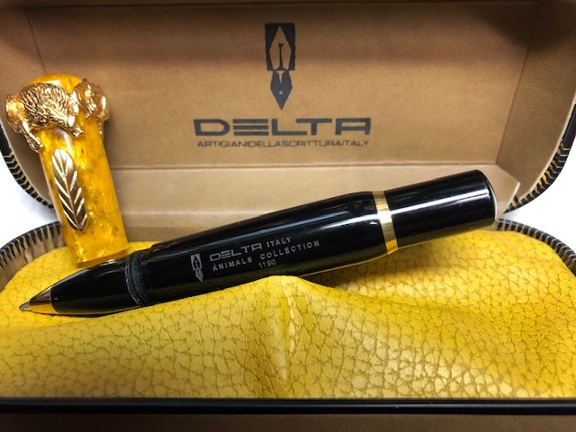 Pens and Pencils: : Delta: Animal Collection